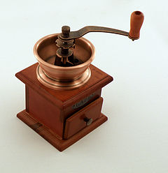 240px-Mlynek_do_kawy_-_coffee_grinder